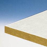 Жесткая и тонкая плита из каменной ваты с наклееной стекловолокнистой ткалью