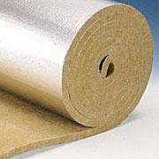 Ламельные маты. Минеральные волокна прикрепленные перпендикулярно у алюминиево-бумажному покрытию.