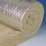 Прошивные маты армированные сеткой. Между сеткой и матом-слой алюминиевой фольги, усиленной стекловолокнистой сеткой.